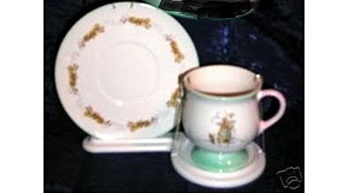 beatrix-potter-peter-rabbit-illustrated-cup-and-saucer-tea-set