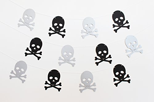 - Skull and Crossbones Pirate Party Banner