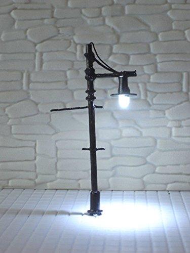 L324-10pcs 12V LED Scale Model Trains Lampposts Posts HO