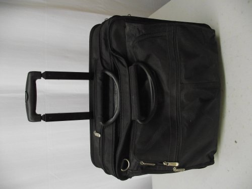 (Targus XL Rolling Notebook Case Holds Most 17in Screens Black)