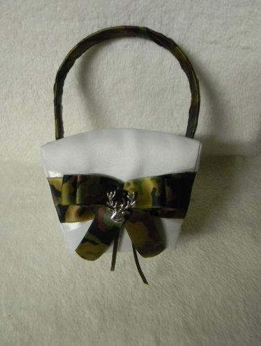 Wedding Cermony Camo Deer Hunter Hunting flower girl basket - Custom Wedding Flower Girl Basket