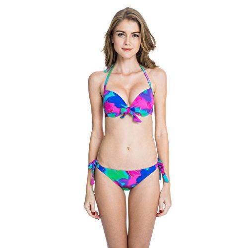 sexy-teen-is-wearing-bikini