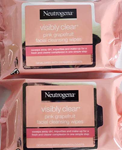 Facial Cleansing Wipes: Neutrogena Visibly Clear