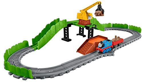 Thomas & Friends 900 Fbc23 Adventures Reg At The Scrapyard Playset (Yard Thomas & Scrap Friends)