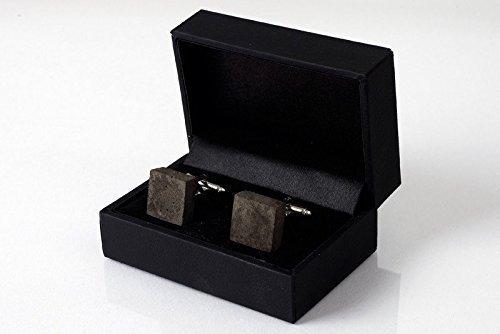 Manschettenknöpfe aus dunklem Beton | cufflinks in hochwertigem Klapp-Schmucketui - perfekt als Weihnachtsgeschenk