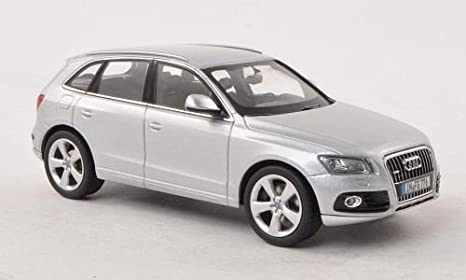 Audi Q5 weiss Modellauto Welly 1:24 Fertigmodell