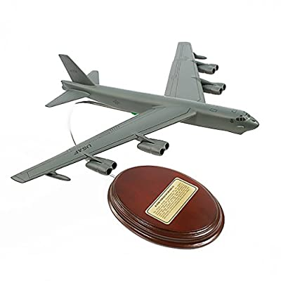 Mastercraft Collection B-52H Stratofortress Model Scale:1/185