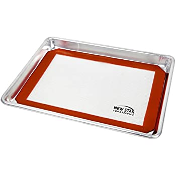 New Star Foodservice 38422 Commercial 18-Gauge Aluminum Sheet Pan & Silicone Baking Mat Set, 9 x 13 inch (Quarter Size)
