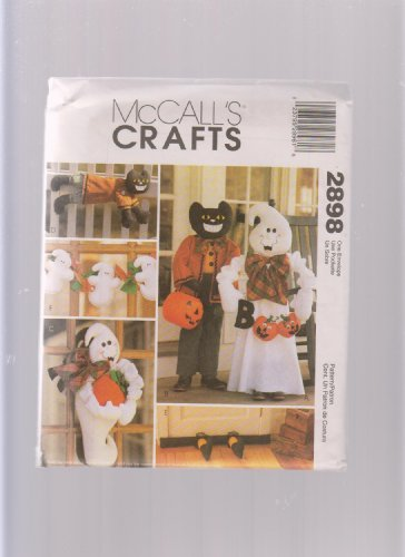 McCall's Crafts Sewing Pattern 9164 ; Halloween Decorations Greeters, Ghost, Wall Hanging, Draft Dodger, Garland]()