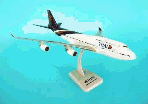 Hogan Thai 747-400 1/200 W/GEAR by DARON WORLDWIDE