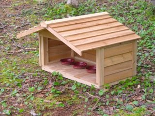 Large Cedar Outdoor Pet Feeding Station