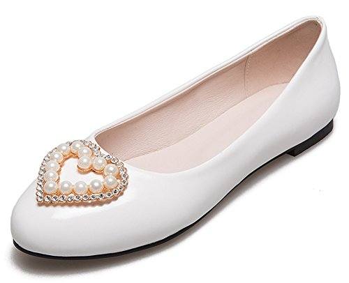 Mofri Women's Elegant Beaded Rhinestone Heart Round Toe Wide Width Slip on Flats Pumps Shoes White 4 B(M) US ()