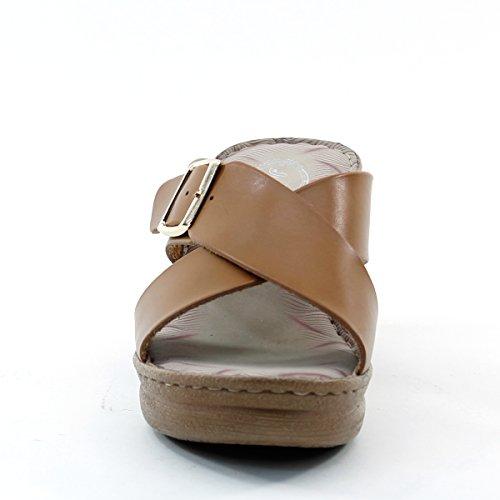 Nieuwe Brieten Damesschoenen Met Comfortabele Kruisriem Gesp Platform Sandalen Kameel