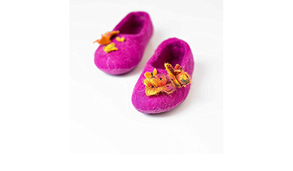 Baby shoes Handmade Home shoes Girls slippers Baby booties Childrens shoes Winter shoes Kids shoes Felted wool Eco friendly