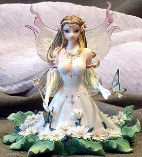 """1 , DIAMONDS & DAISIES , RETIRED, Cute Series, This, cutie, pie, fairy, Exquisite detail and colors, make this fairy figurine wonderfully realistic, Collectibles, exquisite collection, of, Fairy Sprite, For the , PIXIE, FAIRY, FANTASY, MYTHICAL, CREATURE, ROMANTIC, MERMAID, RESIN, MYTHICAL CREATURES, COLLECTOR, HAND PAINTED, OUTSTANDING DETAILS, GREAT PIECE, ABOUT, 5""""x5"""", in, Full COLORED, BOX,+17B1.2+"""