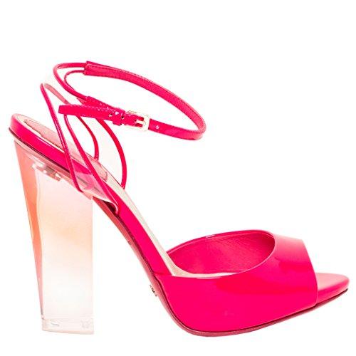 Christian Dior-patent Weerspiegelt Plexi-sandalen