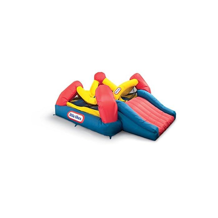 41ZCR%2Bc9GKL Los niños pueden saltar, deslizarse y rebotar en este inflable inflable de Little Tikes Jump 'n Slide Bouncer. Un divertido diseño de casa hinchable ofrece una gran área para varios niños y un divertido tobogán. El Jump'n Slide Bouncer se infla en minutos y se pliega de forma compacta para un fácil almacenamiento.