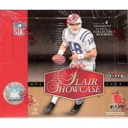 - 2006 Flair Showcase Football Cards Unopened Hobby Pack (5 cards per pack)- 4 Different Levels of Rookie Cards - Look for Reggie Bush, Matt Leinart, Vince Young, Laurence Maroney & other top rookie stars randomly inserted plus Autographs & More!