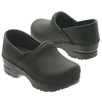 Amazon.com: Dansko Gitte Black Oiled Size 24 Kids: Shoes