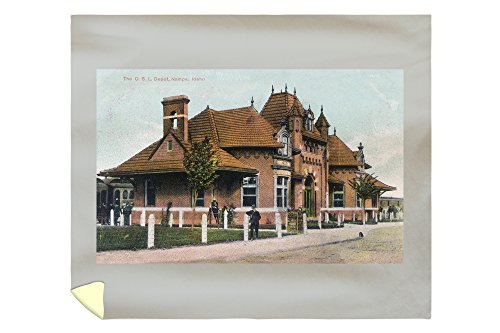 Lantern Press Nampa, Idaho - Exterior View of The OSL Depot 12986 (88x104 King Microfiber Duvet Cover) (Fiber Barrel Depot Home)