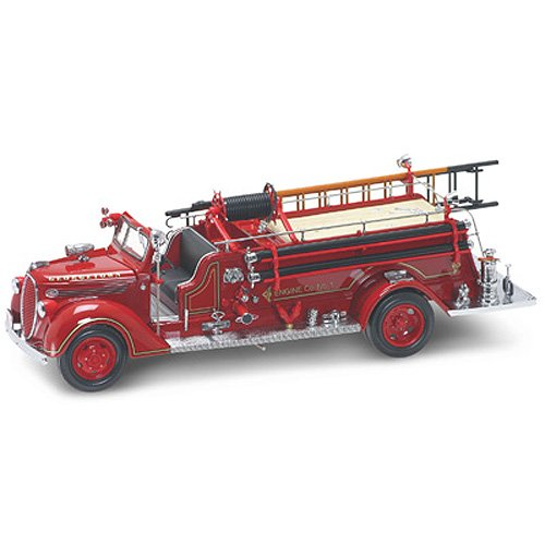 Yat Ming Scale 1:24 - 1938 Ford Fire Engine Everett