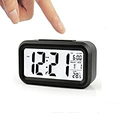 FIGHTART Smart alarm clock, large LCD display Battery temperature display Digital re-lock with backlight Watch Portable, AAA battery, repeat alarm, smart low light sensor technology