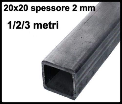 Tubo cuadrado de hierro liso en caja de 20 x 20 x 2 mm de grosor ...