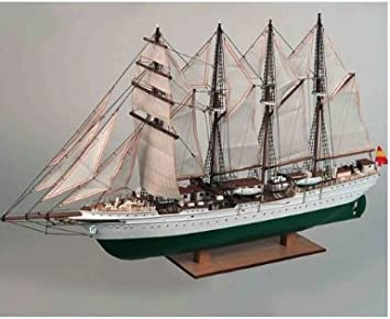 Constructo 80622, maqueta barco Elcano. Casco de madera prefabricado