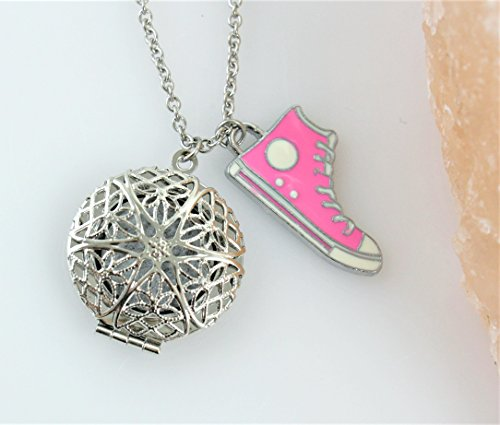 Sneaker Essential Oil Diffuser Necklace ()