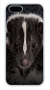 IPhone 5/5S Case Skunk Portrait PC Hard Plastic Case for iPhone 5/5S Whtie