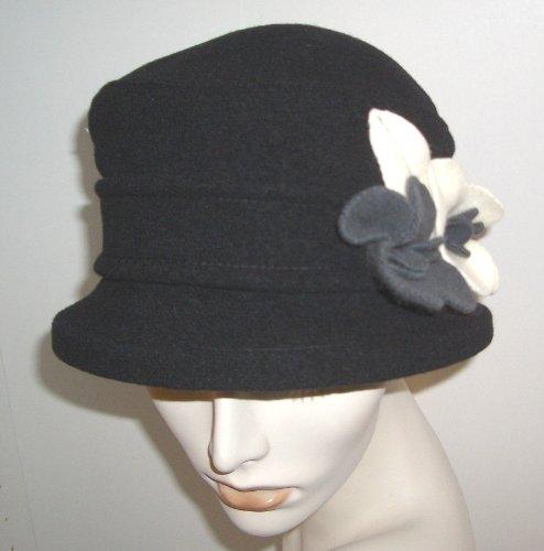 Parkhurst Wool Gardenia Hat (Black Ivory Grey) at Amazon Women s ... 3d23cc304fe