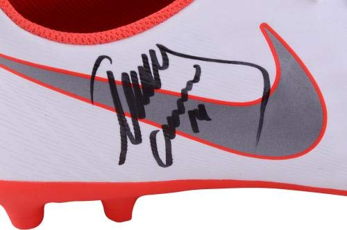 Javier Mascherano Barcelona Autographed White and Red Nike Magista Soccer Cleat ICONS Fanatics Authentic Certified