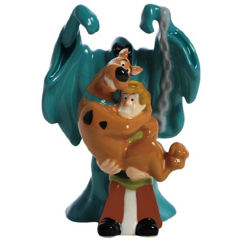 Westland Giftware Magnetic Ceramic Salt and Pepper Shaker Set, 4.5-Inch, Scooby Doo a Good Scare, Set of 2