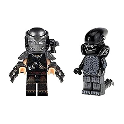 Unknown Manufacture Alien Minifigure vs Predator Xenomorph Minifigure with Gold Prime: Toys & Games