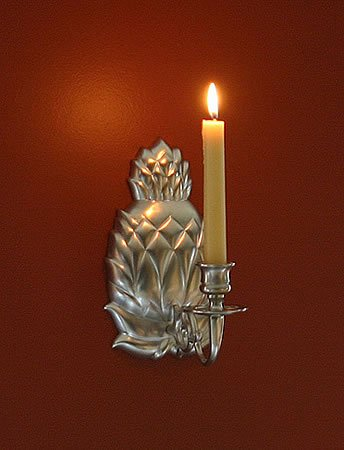 (Brass & Silver Traditions Pineapple Wall Sconce, Pewter)