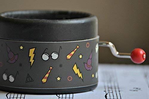 Carillon manovella decorato con un design exclusivo con la melodia di Harry Potter * Hedwig Theme *. Il regalo perfetto. Grigio