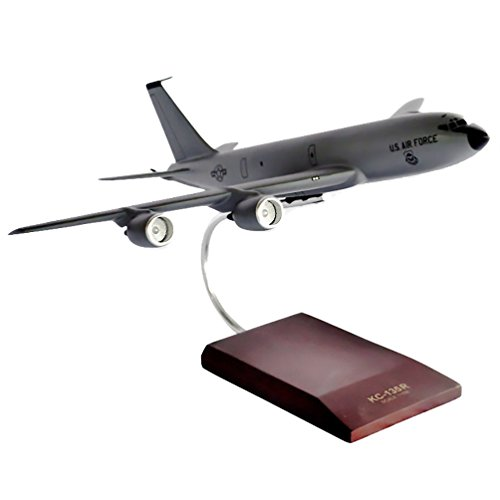 (Mastercraft Collection KC-135R Stratotanker model Scale: 1/100)