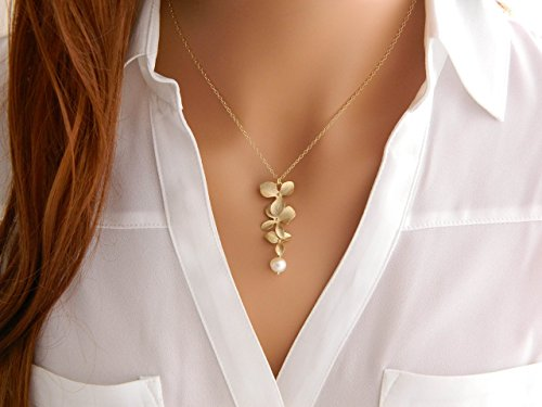 GOLD Orchid Pearl Necklace / Mother Necklace / Freshwater Pearl Orchid Necklace / Bridesmaid Necklace / Wedding Jewelry / Orchid Jewelry - Orchid Pendant Necklace