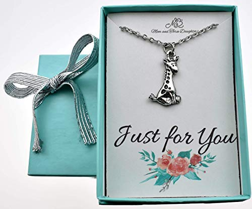 (Giraffe necklace in silver pewter on a 14