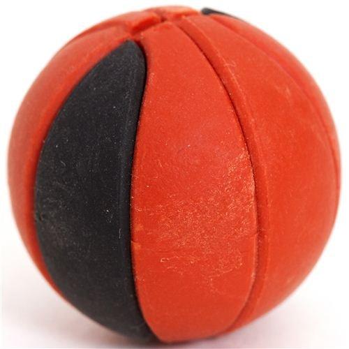 Goma de borrar balón de baloncesto marrón y negro por Iwako ...