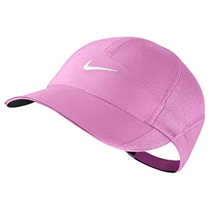 sports shoes 1031a a45d8 Amazon.com  Nike Feather Light Dri-FIT Cap - 595511-513 - Pink  Sports    Outdoors
