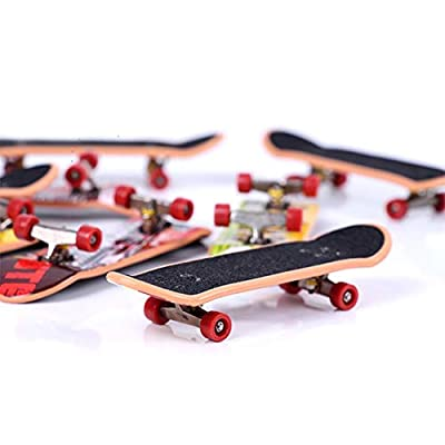 Novobey Professional Mini Fingerboards Finger Skateboard Party Favors Toys for Kids, Christmas Birthday Gifts, 2 Pcs (Random Pattern): Toys & Games
