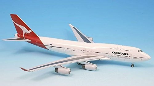 (Qantas Airways Boeing 747-400 Airplane Miniature Model VH-OJF Diecast 1:200 Part# A012-IF744002)