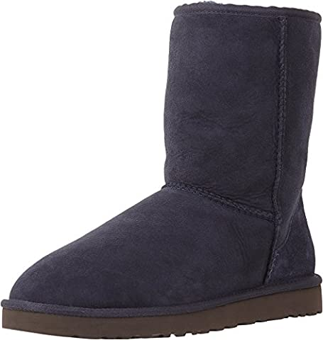 UGG Men's Classic Short Navy Sheepskin Boot - 17 D(M) (Classic Short Pelle Di Pecora)