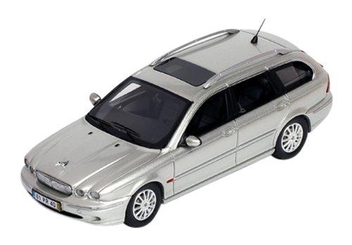 1/43 ジャガー X-TYPE Wagon 2004 シルバー PR0195