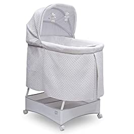 Simmons Kids Silent Auto Gliding Deluxe Bassinet, Inner Circle