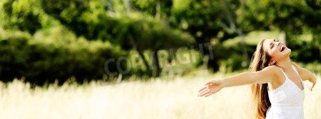 Canvas 80 x 30 cm Young girl dances in a field in summertime having fun(11900029), Canvas, 80 x 30 cm
