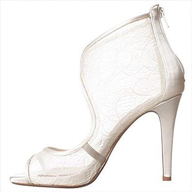 E Live from the Red Carpet Merideth Peep Toe Pump White White Size 9.0