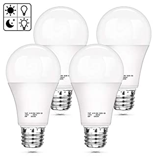 Dusk to Dawn LED Light Bulb, A19 Sensor Auto On/Off Bulbs, 5000K Daylight White, 9W E26 Base, 900LM, Indoor/Outdoor Security Lighting Bulb for Patio Porch Yard Garage, 4-Pack