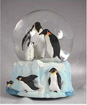 Penguin Family Musical Snow Globe - It's a Small World GOWA 6407
